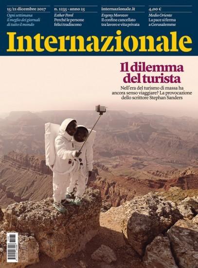 La copertina di Internazionale di questa settimana:  Il dilemma del turista Nell'era del turismo di massa ha ancora senso viaggiare? La provocazione dello scrittore Stephan Sanders Per comprare il numero: https://www.internazionale.it/compra/