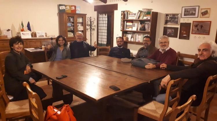 Ieri sera finalmente c'è stata la riunione alle Fattorie Faggioli del Naima-A Tour Albania dopo la prima decade di luglio in Albania.  ***Poi cena tutti insieme organizzata da Fausto, Mila e Federica sempre a Borgo Basino.  ***Nella foto una parte del gruppo: foto di Fabiola Crudeli.